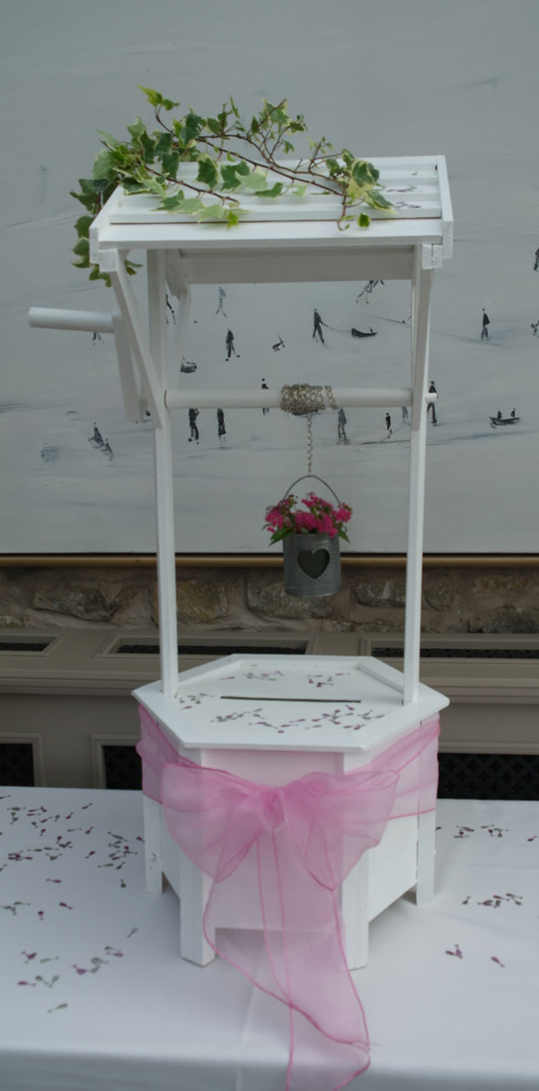 Wedding wishing well for cards